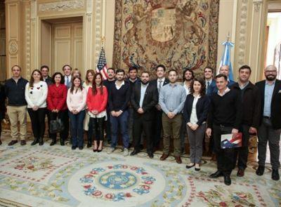 El CRUP acompañó a los Becarios de Liderazgo para Visitantes Internacionales