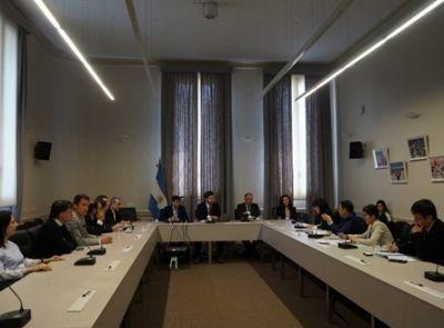El CRUP formo parte de la reunión con representantes del Gobierno Chino