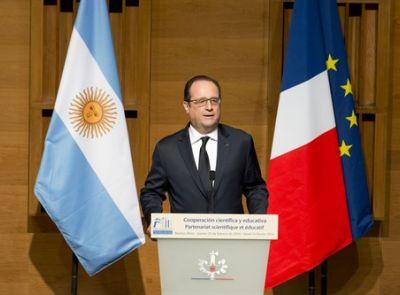François Hollande disertó en el Polo Científico Tecnológico