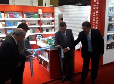 Se inauguró el stand de la red de editoriales en la Feria del Libro